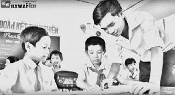 Văn kể chuyện - Em hãy kể về một người thầy (cô) giáo mà em yêu quý.