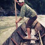 Phân tích hình ảnh ông lái đò sông Đà của Nguyễn Tuân