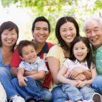 Nghị luận xã hội: Hạnh phúc không chỉ là được cha mẹ quan tâm. Hạnh phúc còn là quan tâm tới cha mẹ.