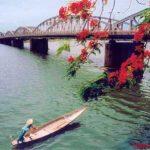 Vẻ đẹp của sông Hương qua góc nhìn của Hoàng Phủ Ngọc Tường